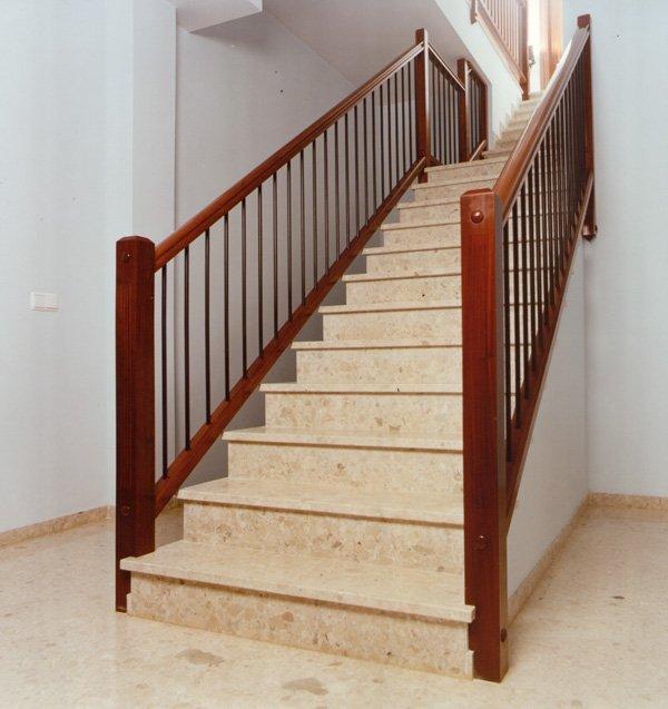 Pasamanos newdesign maderas casais materiales de carpinter a en a coru a galicia - Barandilla de madera exterior ...