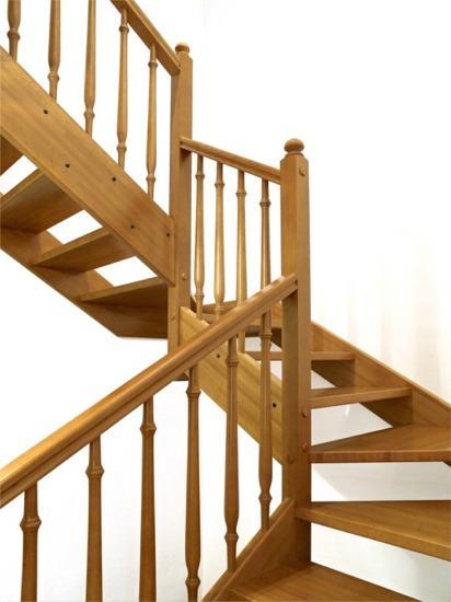 pasamanos torneados escalera