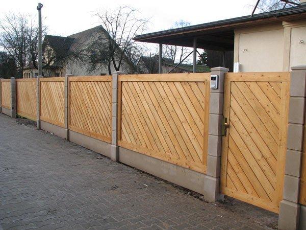 Vallas maderas casais materiales de carpinter a en a for Barda de madera para jardin