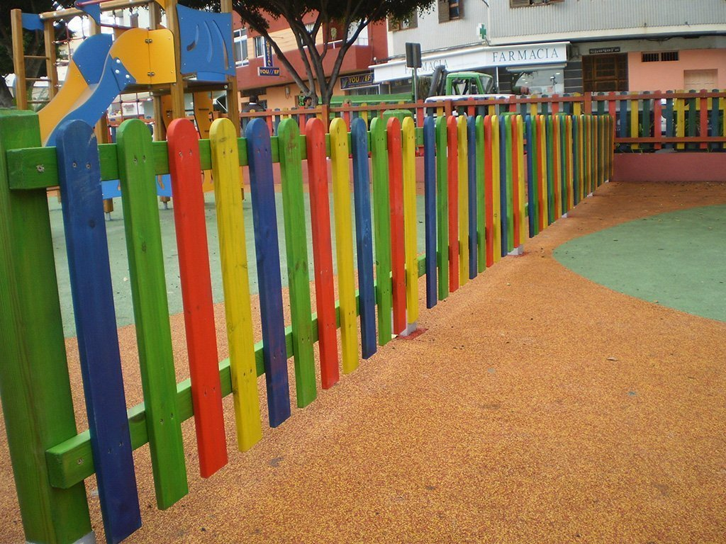 Vallas madera para jardin jardn con valla de madera for Cerrar valla jardin